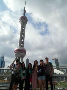 2014年攝於上海東方明珠塔。