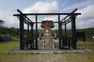 野牡丹神社公園裡的高士神社。(攝影:王顥中)