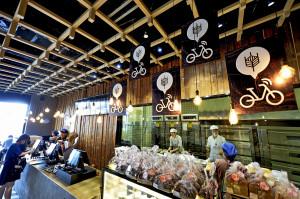 共用單車主題麵包店亮相天津。(新華社 史淞予 攝)