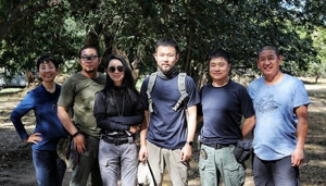 志願者合影。從左起,依次是:梁佳俊、張廣瑞、王伊琳、袁潯傑、王珂、於揚