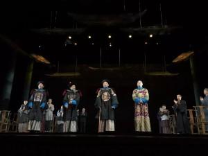 話劇「北京法源寺」演出現場,許文廣(右一)飾演大太監李蓮英。