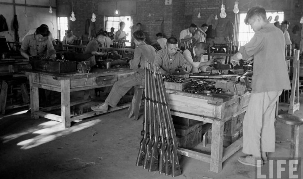 武漢兵工廠和金陵兵工是高雄六〇兵工廠的前身。