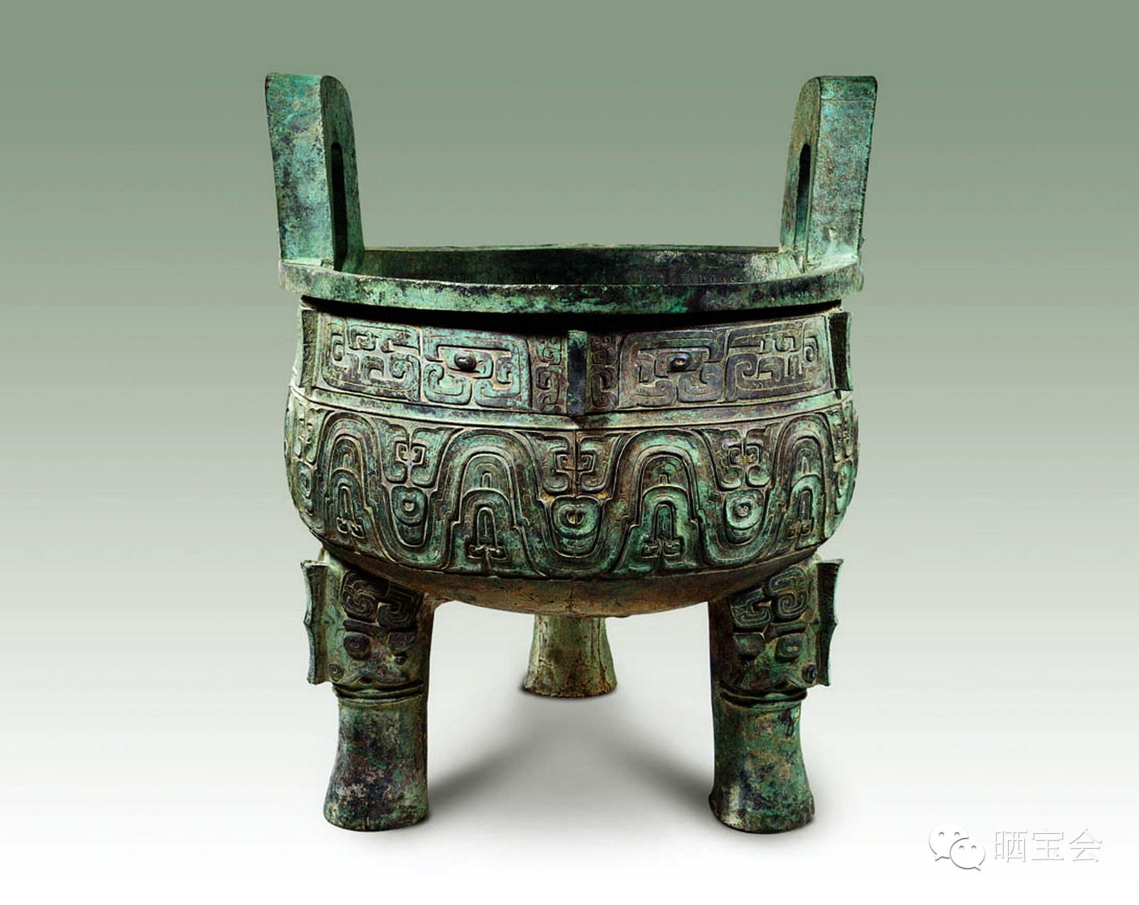 大克鼎又稱膳夫克鼎,西周晚期(孝王時期)一名叫克的貴族為祭祀祖父而鑄造的青銅器。