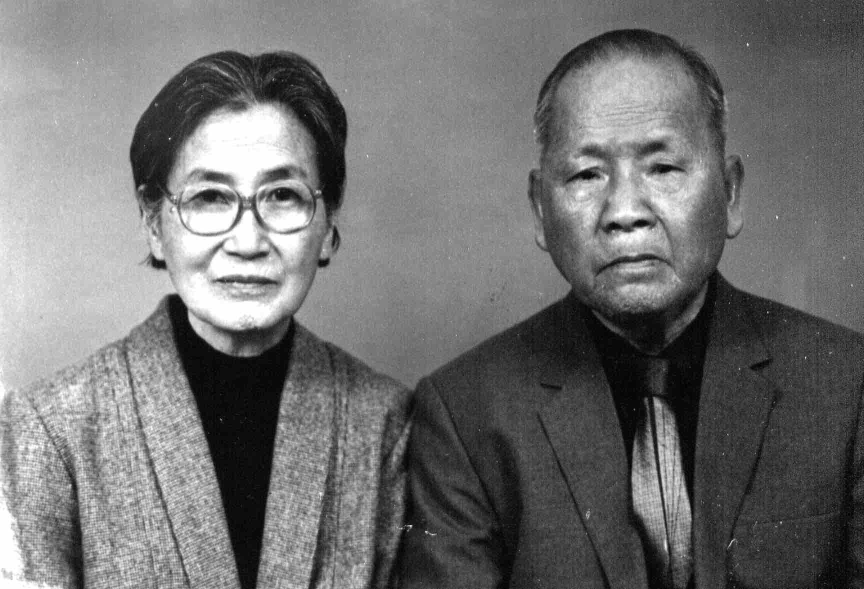 許金玉(左)與辜金良