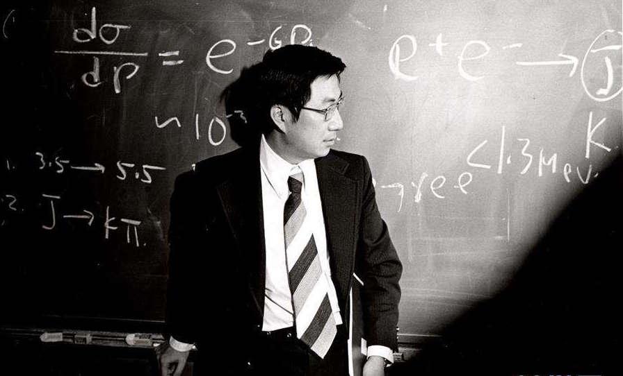 1974年在美國布魯克海文實驗室的丁肇中。